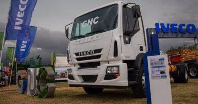 """IVECO presentó su gama """"Natural Power"""", los primeros vehículos comerciales a GNC en el país"""