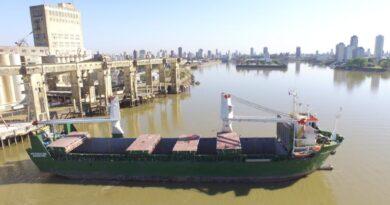 La reactivación del Puerto de Santa Fe se consolida y en cinco meses ya se exportaron más de 40.000 toneladas
