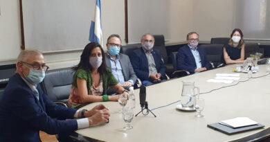 El Gobierno Nacional alcanzó un acuerdo con la industria aceitera para garantizar productos a precios accesibles