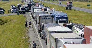 """Las entidades bursátiles exigieron al Gobierno y a la Justicia """"arbitrar medidas para la libre circulación del transporte"""""""