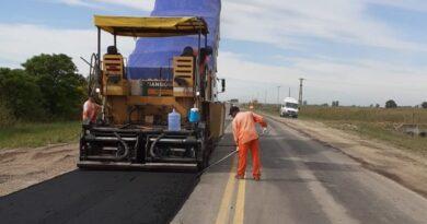 Avanzan los trabajos de bacheo en rutas importantes de la cuenca lechera santafesina