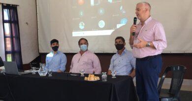 """Entregan aportes no reintegrables a productores ganaderos del norte santafesino para la """"resiliencia"""" de los sistemas productivos"""
