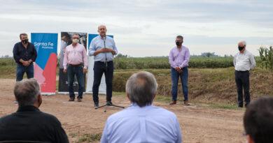 """""""Caminos de la Ruralidad"""": la comuna de Pilar recibió fondos para llevar a cabo obras en un trayecto de 11 kilómetros"""